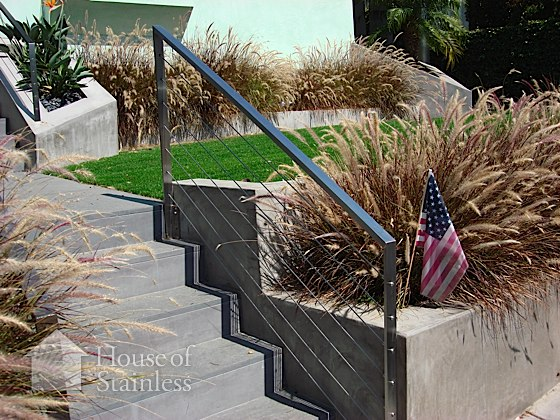Exterior Residential Cable Handrail Photo
